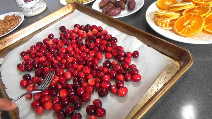 Cranberries with honey to be roasted in the oven